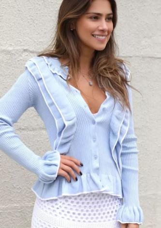 Gabriella Lenzi veste Doce de Coco Casaco Tricot Babado Anne - Look do dia