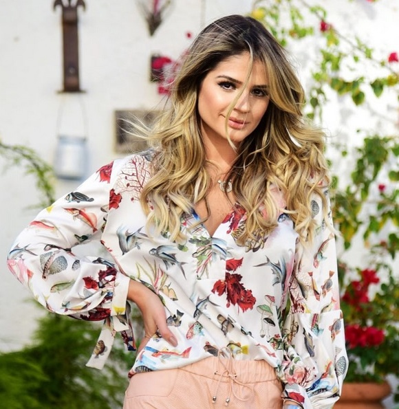 54-Thassia Naves veste Camisa Fishland PatBO - Look do dia - lookdodia.com