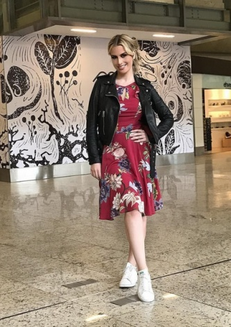 Fernanda Keulla veste Vestido Visco Soft TVZ - Look do dia - lookdodia.com