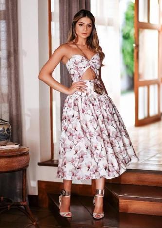 Thassia Naves veste Skazi - Conjunto Crepe Floral - Look do dia - lookdodia.com