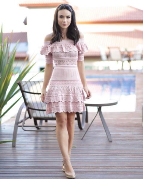 Vestido Tricot Curto Rendado Linah Doce de Coco Store - Look do dia
