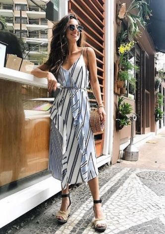 Luiza Sobral veste Shoulder Vestido Fluido Crepe - Look do dia - lookdodia.com