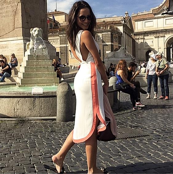 Vestido Branco Detalhe Contrastante ABRAND - Look do dia - lookdodia.com