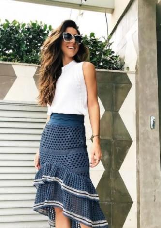 Luiza Sobral veste Doce de Coco Saia Tricot Rendada Mullet Magnolia - lookdodia.com