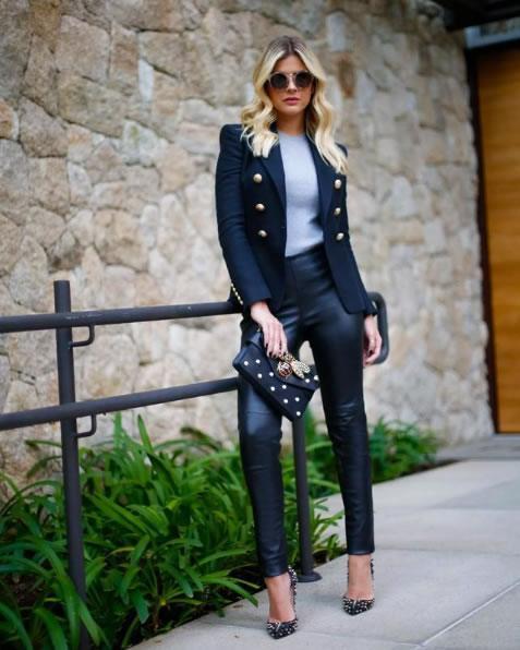 Lala Rudge veste Balmain Blazer Feminino Preto - Look do dia - lookdodia.com