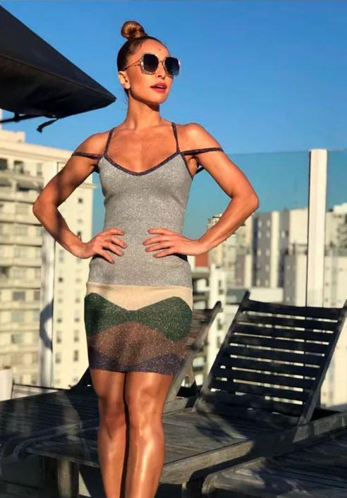 Sabrina Sato veste Doce de Coco Vestido Saia Canelada - Look do dia - lookdodia.com