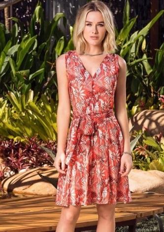 Fiorella Mattheis veste Fillity Vestido Michele Flora Coral - Look do dia - lookdodia.com