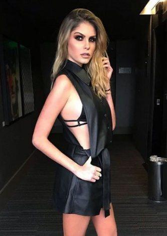 Barbara Evans veste DresseCo Macaquinho Liliane Preto - Look do dia - lookdodia.com