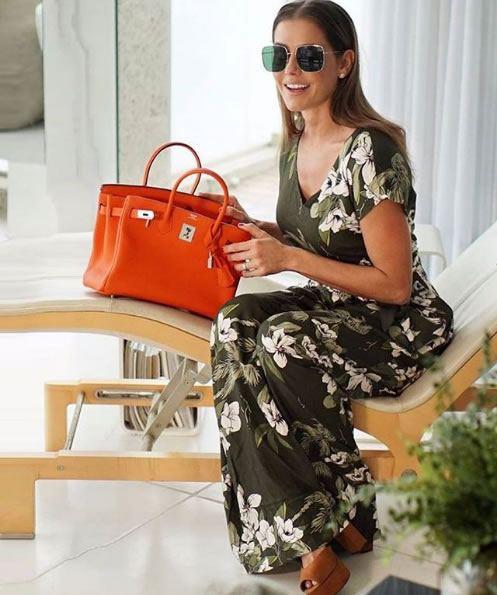 Deborah Secco veste Amissima Macacao Viscose Floral - Look do dia - lookdodia.com