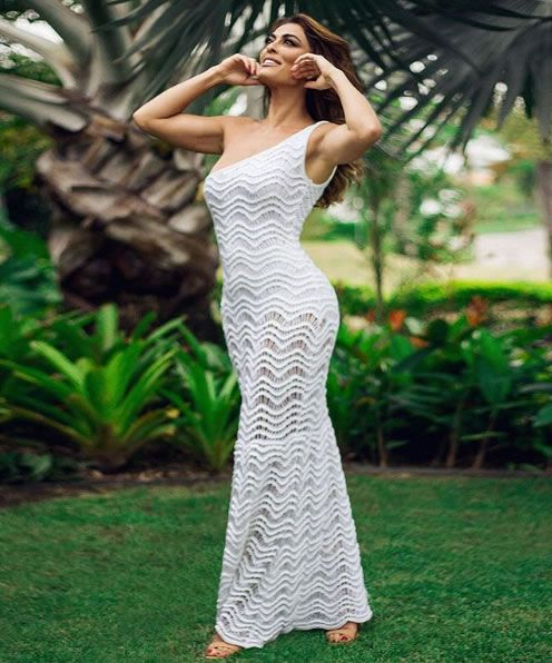 Juliana Paes veste Galeria Tricot Vestido Lola Branco - Look do dia - lookdodia.com