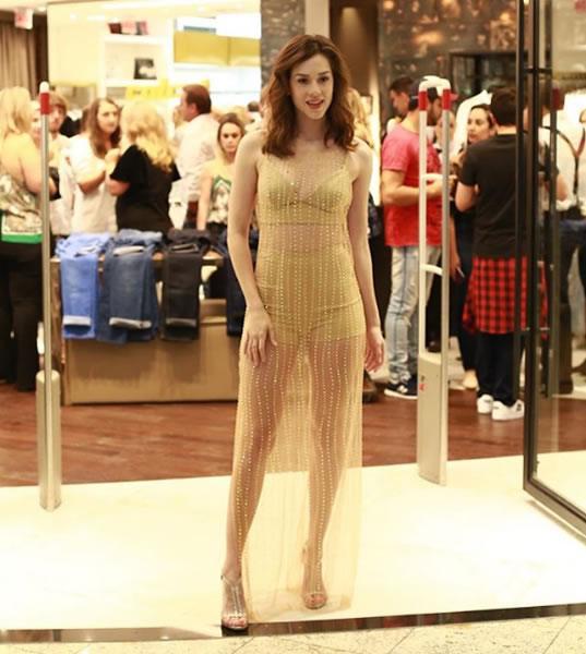 Sophia Abrahao veste Colcci Vestido Longo Tule - Look do dia - lookdodia.com