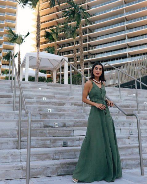 Camila Coelho veste Canal Concept Vestido Longo Rustico - Look do dia - lookdodia.com