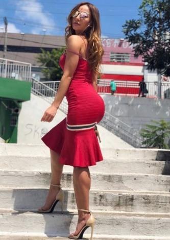 Sabrina Sato veste Doce de Coco Vestido Midi Vermelho - Look do dia - lookdodia.com
