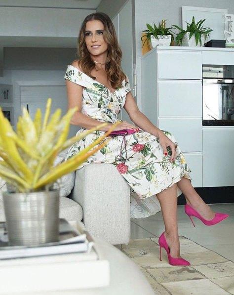 Deborah Secco veste Amissima Vestido Midi Floral - Look do dia - lookdodia.com