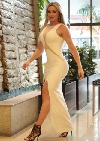 Juju Salimeni veste Dressus Vestido Longo Branco - Look do dia - lookdodia.com