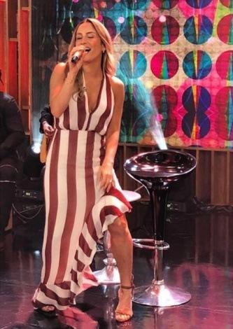Claudia Leite veste Iorane Vestido IO Anna - Look do dia - lookdodia.com