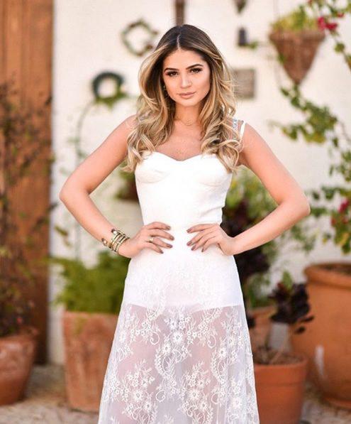 Thassia Naves veste Iorane Vestido Hot Pant Off - Look do dia - lookdodia.com