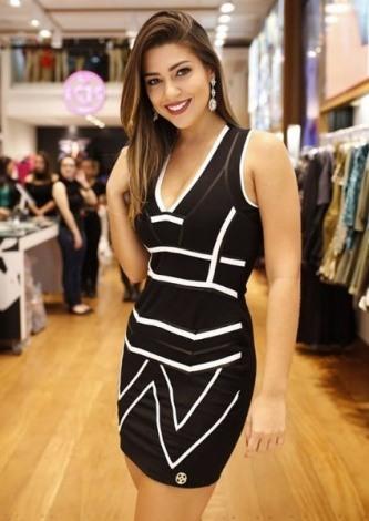 Vivian Amorim veste Dressus Vestido Tubinho Liso - Look do dia - lookdodia.com
