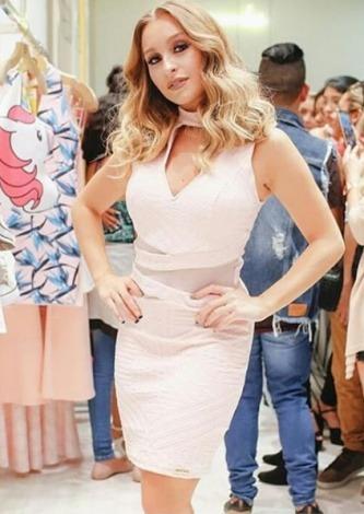 Carla Diaz veste Dressus Vestido Tubinho Liso - Look do dia - lookdodia.com