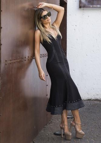 Thassia Naves veste Skazi Vestido Midi Preto - Look do dia - lookdodia.com