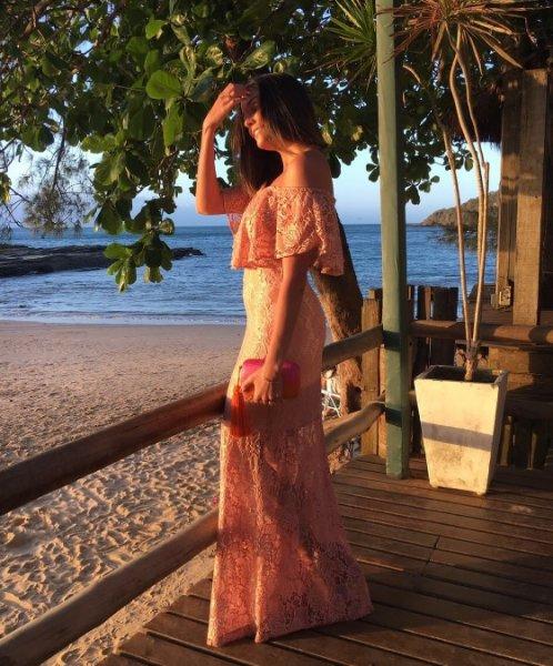 Livia Frazao veste Atelier Clara Rosas Vestido Cigana Rose - Lookdodia - lookdodia.com