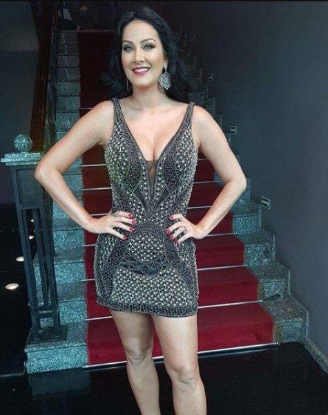 Helen Ganzarolli veste Dolps Vestido Bordado Palm - Look do dia - lookdodia.com