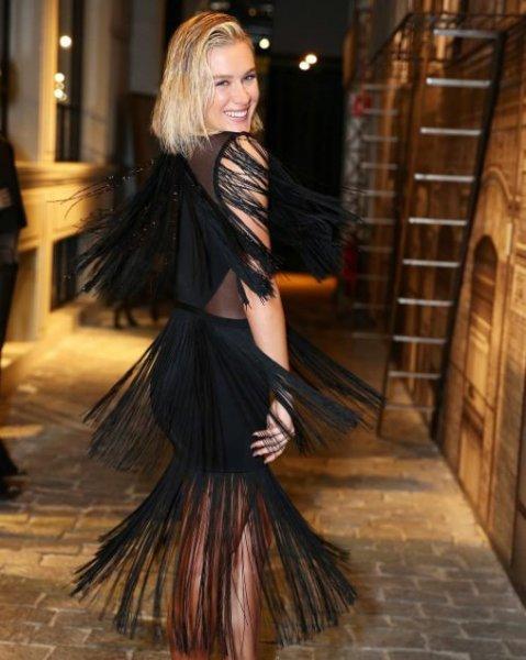 Fiorella Mattheis veste Rosacha Vestido Milena - Look do dia - lookdodia.com