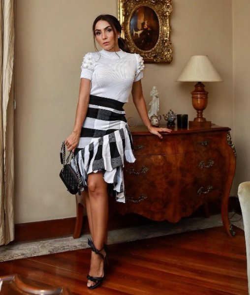 Lala Noleto veste Doce de Coco Blusa Pele Perola - Look do dia - lookdodia.com