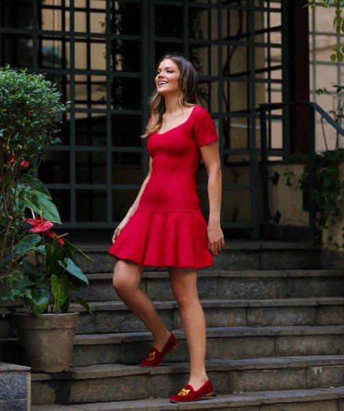 Marcella Tranchesi veste Doce de Coco Vestido Tricot Vermelho - lookdodia.com