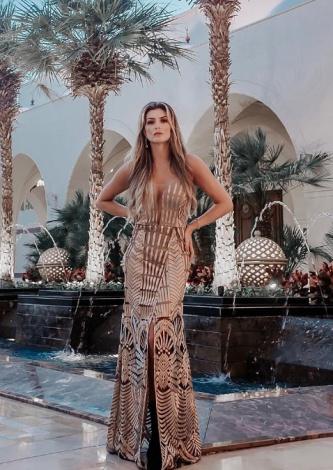 Daniele Alves veste TVZ: Vestido Longo Gold Embroidery - Lookdodia
